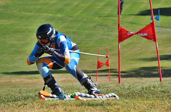 FIS女子2位の前田茉里乃 世界ジュニアのスーパーGでは金メダルを獲得し 今回もSC1本目のSGLでは新谷起世に僅差の2位で大きな成長を見せてくれた